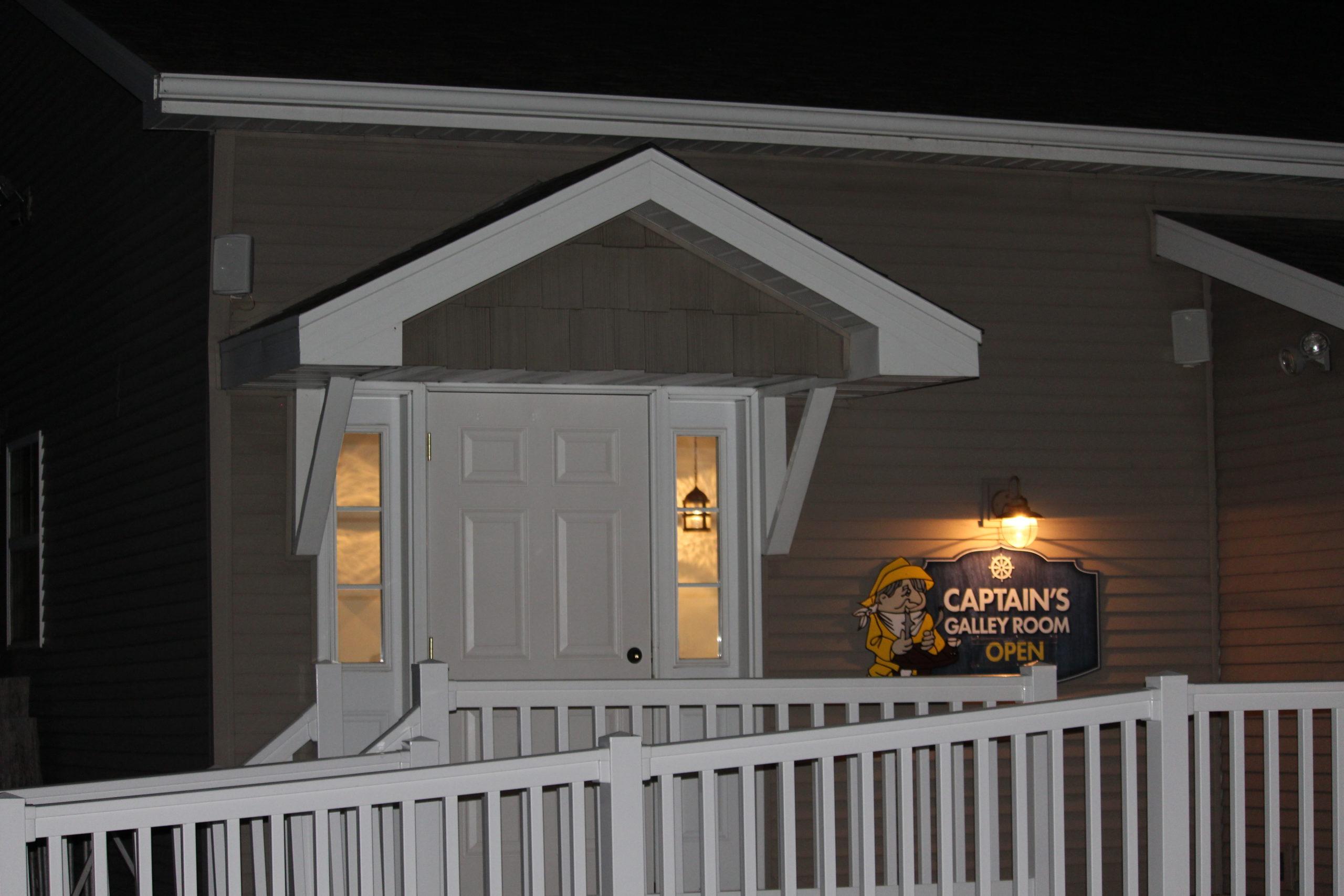 Captains-Galley-Room-Algoma-Wisconsin